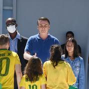 Au Brésil, l'autoritarisme de Bolsonaro exacerbé par la «petite grippe»