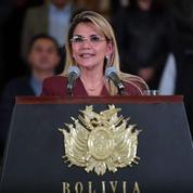 En Bolivie, Jeanine Añez prend ses aises