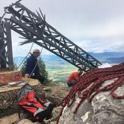 La croix du pic Saint-Loup brisée par des vandales