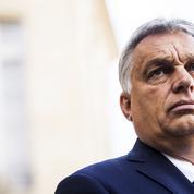 Dix ans de pouvoir: la métamorphose de Viktor Orban