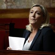 Quand Marine Le Pen s'affiche en admiratrice du Général