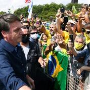 Brésil: Bolsonaro, capitaine sans boussole au cœur de la tempête