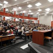Universités: le sacro-saint cours magistral va-t-il disparaître?