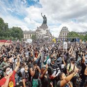 Emmanuel Macron affiche un soutien franc et massif aux policiers