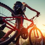 Deux étudiants font un tour de France à vélo pour promouvoir les entreprises