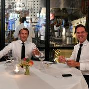 Plan de relance: à La Haye, Macron lance une opération de charme auprès de Rutte