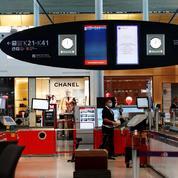 Peu optimistes sur la reprise des vols, les boutiques «duty free» licencient