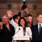 Mairie de Paris: Anne Hidalgo l'emporte facilement
