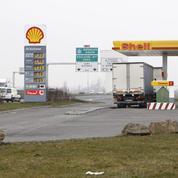 Shell nouvelle victime de la chute des prix de l'or noir