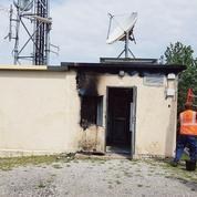 Déploiement de la 5G: qui sont les activistes radicauxqui brûlent des antennes?