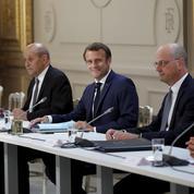 Remaniement: Macron désarçonne les macronistes