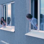 Chacun chez soi: l'amour à distance peut-il durer?