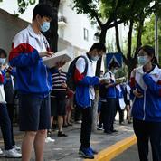Fraude aux examens: des élèves usurpaient les notes de candidats au Gaokao, le bac chinois