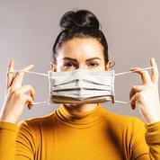 Le masque, un bouclier anti-postillons efficace