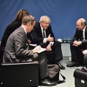 Entre Londres et Moscou, la guerre froide s'installe