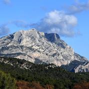 Éoliennes: la bataille continue près de la montagne Sainte-Victoire
