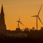 Éoliennes: les opposants durcissent leur combat