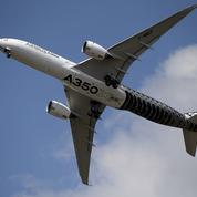 Le trafic aérien s'effondre, Airbus plonge dans le rouge