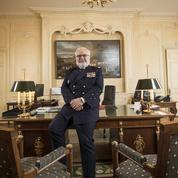 Les confidences de l'amiral Rogel, l'homme des dossiers secrets auprès de Macron