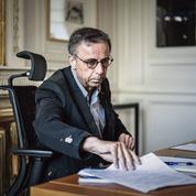 À Bordeaux, un début de mandat aux prises avec la santé et la sécurité pour Pierre Hurmic