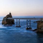 Pays basque: les petits coins de paradis du calligraphe Nicolas Ouchenir
