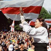 Biélorussie: Svetlana Tikhanovskaïa, le succès d'une candidate par accident