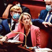 Pesticides: Barbara Pompili face à ses contradictions