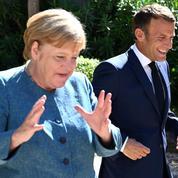 Emmanuel Macron et Angela Merkel au chevet d'une Europe sous pression