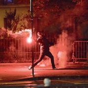 Les violences à Paris mettent à mal le discours martial du gouvernement