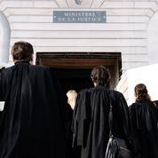 Les pistes pour sortir les avocats de la crise