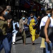 Obligation du masque: brouillonne entrée en vigueur à Paris