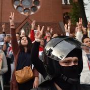 Biélorussie: Vladimir Poutine prêt à lancer des troupes
