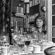 En 1975, le premier dîner de VGE à la table des Français