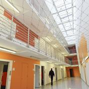 Gardiens ébouillantés et armes artisanales: à la prison de Valence, la violence du quotidien