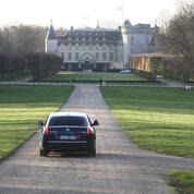 Les châteaux de la République: enquête sur les lieux secrets du pouvoir