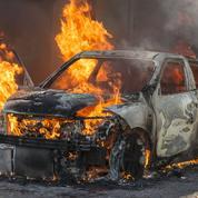 Une église incendiée lors d'émeutes près de Lyon
