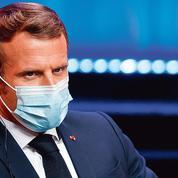 Coronavirus: Macron reprend la main sur le sanitaire