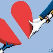 Comment l'amour vient aux parents adoptifs