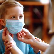Covid-19: le port du masque désormais obligatoire pour les élèves dès 6 ans