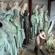 Les statues miraculées de Notre-Dame entre les mains expertes des artisans