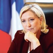 Face aux crises, Marine Le Pen pressée de durcir le ton