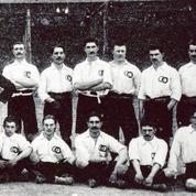 Pas toujours bleu, ni réussi: le maillot de l'équipe de France de foot a une (très) longue histoire
