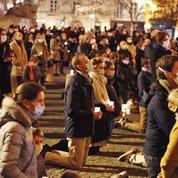 Interdiction des messes: recours et manifestations se multiplient