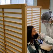 Covid-19: les premiers tests antigéniques ont été menés auprès de lycéens parisiens