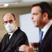 Vaccins anti-Covid: Jean Castex promet la transparence et la sécurité