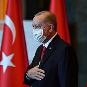Sous la menace de sanctions de l'UE, Ankara fanfaronne et rassure