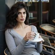 Negzzia mannequin en Iran, réfugiée en France