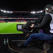 La saga des droits du football: vingt ans de lutte acharnée pour Canal+