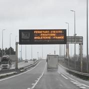 À Calais, les transporteurs routiers français inquiets et en colère