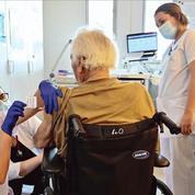 Vaccination contre le Covid-19: l'exécutif engagé dans une nouvelle course contre la montre